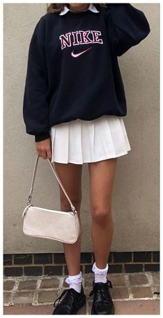 Neue Outfits, Preppy Outfits, Teen Fashion Outfits, Retro Outfits, Cute Casual Outfits, Skirt Outfits, Stylish Outfits, Elegantes Outfit Frau, White Tennis Skirt