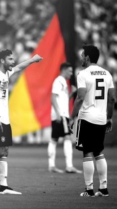 Hummels Mats Hummels, Dfb Team, Soccer World, Football Pictures, Fifa World Cup, Iphone Wallpapers, Football Players, Germany, Soccer