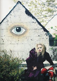 Pseudo-Occult Media: The Occult Fashion Show, Gemma Ward of Oz and Robots Organized by the Illuminati