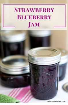 How To Make Strawberry Blueberry Jam Strawberry Blueberry Jam recipe is one of my favorite flavors of homemade jam. Mixed berry jam has a delicious flavor and takes great on vanilla ice cream. Strawberry Blueberry Jam, Strawberry Jam Recipe, Blueberry Recipes, Mixed Berry Jam, Mix Berry, Oxtail Recipes, Cooker Recipes, Sauce Pizza, Salsa Dulce