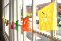 DIY Fiesta Garland  http://blog.freepeople.com/2012/05/diy-fiesta-garland/