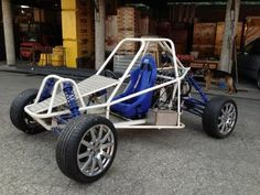 Self-build Buggy AUER FX-1 - GOB Bozen - 2 - YouTube Go Kart Buggy, Off Road Buggy, Adult Go Kart, Fiat 126, Sprint Cars, Race Cars, Diy Go Kart, Camper Shells, Reverse Trike