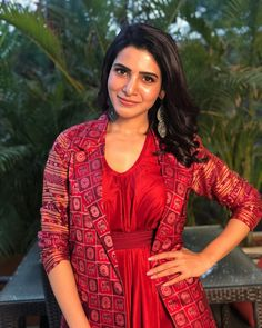 Samantha Akkineni Stills From Cafe Bahar Restaurant Launch. Samantha Akkineni Launches Cafe Bahar Restaurant At Panjagutta Gallery. Samantha Ruth Prabhu latest stills at Cafe Bahar Restaurant Launch. Samantha Images, Samantha Ruth, Dress Indian Style, Indian Outfits, Indian Wear, South Indian Actress, Beautiful Indian Actress, South Actress, Classy Outfits For Women