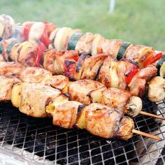 Csirkés Saslik Grill Party, Cooking Recipes, Healthy Recipes, Kebabs, Sausage, Bacon, Bbq, Food And Drink, Meat