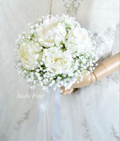 シャクヤクとかすみ草のクラッチブーケです。すべて造花です。 Silk Flower Bouquets, Silk Flowers, Girls Dresses, Flower Girl Dresses, Wedding Dresses, Fashion, Dresses Of Girls, Bride Dresses, Moda