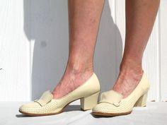 Vintage 60s Florsheim Shoes / Cream Shoes / Cream Loafers /