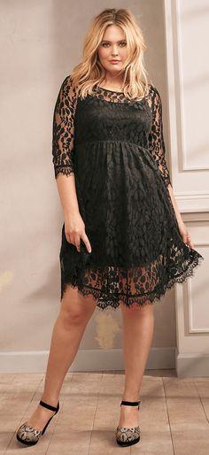 Plus Size Lace V-Hem Skater Dress