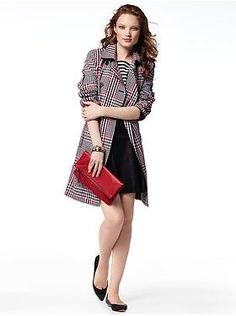Plaid Trench, simple tee, pencil skirt and a clutch.