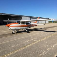 Our featured aircraft is a 1977 Cessna 210M available from J.D. LaCoure. One-of-a-kind! 3694-TT, 1790 hrs on REman IO-520 Ram engine. 2-owners, always hangared, NDH. Annual inspection completed 11/30/'16. $175,000. View the detailed listing at Trade-A-Plane.com.