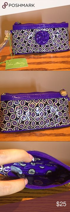 """Nwt Simply Vera Hangin' Out Wristlet New Simply Vera Hangin' Out Wristlet in simply Violet. 7 1/2"""" x 4"""". Vera Bradley Bags Clutches & Wristlets"""