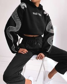 Soft-touch cropped hoodie Logo embroidery on front Hooded neckline Details on both sleeves boxy fit fabric: Cotton & Polyester models . Cute Comfy Outfits, Lazy Outfits, Teen Fashion Outfits, Mode Outfits, Grunge Outfits, Outfits With Hoodies, Sporty Outfits, Pastel Outfit, Fashion Clothes