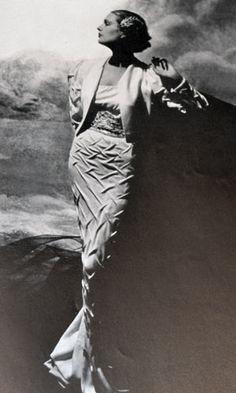Schiaparelli dress - 1930s - Photo by George Hoyningen-Huene (1900-1968) - Harper's Bazaar - @~ Watsonette