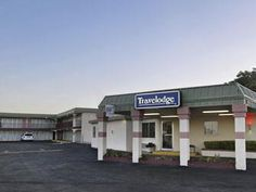 Memphis (TX) Travelodge Memphis United States, North America Located in Memphis, Travelodge Memphis is a perfect starting point from which to explore Memphis (TX). Both business travelers and tourists can enjoy the hotel's facilities and services. Laundry service, car park, safety deposit boxes, Wi-Fi in public areas, family room are on the list of things guests can enjoy. Each guestroom is elegantly furnished and equipped with handy amenities. Enjoy the hotel's recreational f...