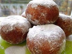 Donuts that melt in the mouth Russian Cakes, Russian Desserts, Ukrainian Recipes, Russian Recipes, Russian Foods, Party Desserts, Sweet Desserts, Hungarian Cake, Photo Food