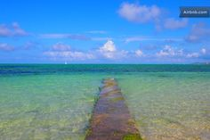 Real Beach in front of our house, Blue, Green, Clean That's so beautiful! 目の前のビーチの写真で本物です!澄み透った海、遠浅の海岸、ビーチまで10秒!