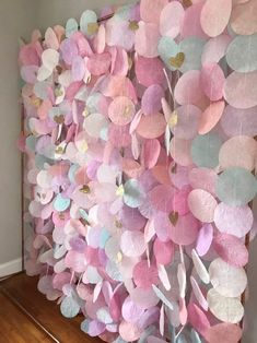 The original paper circle garland: pastels, Papierkreis Garland: Pastels Birthday Party Decorations, Wedding Decorations, Paper Decorations, Birthday Backdrop, Garland Wedding, Diy Birthday, Circle Garland, Heart Garland, Diy Ombre