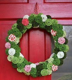 Friday - 5 Wreaths to Make for Spring Christmas or Spring.Christmas or Spring. All Things Christmas, Christmas Holidays, Christmas Wreaths, Christmas Decorations, Christmas Ornaments, Merry Christmas, Christmas Door, Christmas Sewing, Christmas Projects