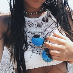 salty hair don't care. Beach pic by @aimerose enjoying summer with her blue mirrored Venice sunglasses | kapten-son.com