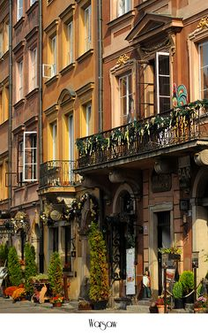 Beautiful old houses in Warsaw. Places Around The World, Oh The Places You'll Go, Places To Travel, Places To Visit, Around The Worlds, Beautiful World, Beautiful Places, Europe Centrale, Visit Poland