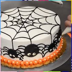 How to decorate a Halloween cake with spider web Credit: Pastry Palace . How to decorate a Halloween cake with spider web Credit: Pastry Palace How to Decorate a Halloween Cake With Spider Web Credit: Pastry Palace 1 Source by cinthiawillock Halloween Torte, Pasteles Halloween, Bolo Halloween, Halloween Desserts, Halloween Food For Party, Halloween Treats, Halloween Birthday Cakes, Halloween Cake Decorations, Easy Halloween Cakes