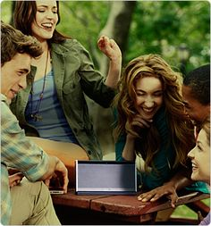 With the SoundLink Bluetooth Mobile speaker II it's easy to share your favorite music with friends whenever, wherever