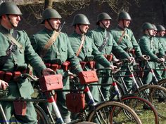 I present you: The Dutch army getting ready to fight off the Nazies (didn't go very well) - 9GAG