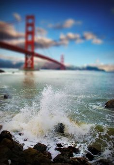 I think I have a Golden Gate Bridge fetish................   Golden Splash - Tilt Shift (von jamescastle3)