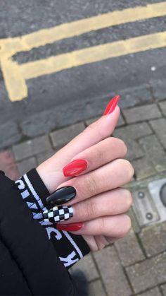 Edgy Nails, Grunge Nails, Stylish Nails, Acrylic Nails Coffin Short, Simple Acrylic Nails, Acrylic Nail Designs, Red And White Nails, Cute Black Nails, Checkered Nails