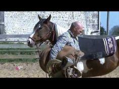 ▶ Nov 2012 - Débourrage éthologique d'un jeun cheval par Franck Petetin - YouTube