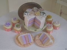 Dollhouse Miniature one Inch Scale Cake and cupcakes by CSpykersMiniatures