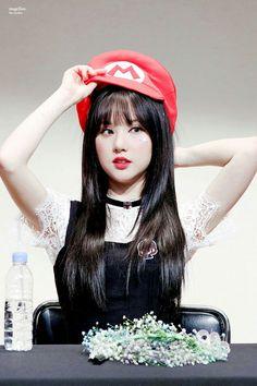 junior, mark, and bambam image Kpop Girl Groups, Korean Girl Groups, Kpop Girls, Sexy Asian Girls, Beautiful Asian Girls, Gfriend And Bts, Jung Eun Bi, Pretty Asian, G Friend
