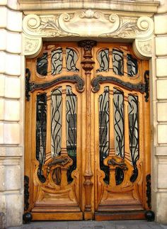 Art Nouveau door at 151 rue de Grenelle in Paris, France Cool Doors, The Doors, Unique Doors, Entrance Doors, Doorway, Windows And Doors, Art Deco, Art Nouveau Design, Art Nouveau Architecture