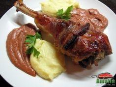 Friptura de curcan cu sos acrisor Cordon Bleu, Healthy Salad Recipes, Chicken Recipes, Pork, Beef, Cooking, Martha Stewart, Food Ideas, Drinks