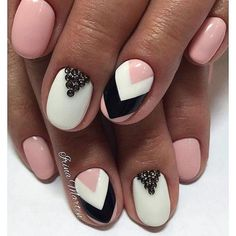 Beautiful nails 2017 Evening nails Festive nails Graduation nails Nail art s. Nail Art Design Gallery, Best Nail Art Designs, Art Gallery, Hot Nails, Hair And Nails, Graduation Nails, Nail Art Stripes, Nails 2017, Manicure E Pedicure