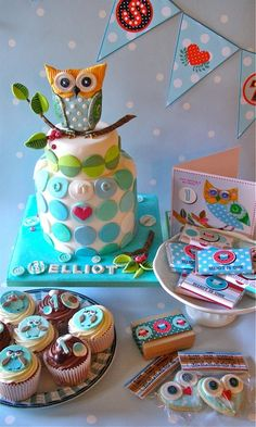 owl party - this cake is adorable!