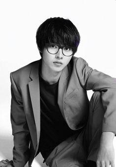 Kento Yamazaki, 2016 [Playing Wilfred Smithsonian in Zaldizko] Death Note, One Week Friends, Kentaro Sakaguchi, L Dk, Crush Pics, Japanese Love, Kento Yamazaki, Hot Asian Men, Asian Actors