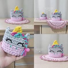 Crochet Box, Crochet Basket Pattern, Crochet Purses, Crochet Dolls, Crochet Yarn, Felt Crafts Dolls, Yarn Crafts, Christmas Ornament Template, Crochet Jar Covers