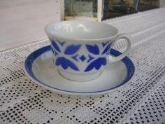 Vintage Arabia ehjä puhalluskoriste kuppi Finland, Cupboard, Tea Cups, Porcelain, Memories, Ceramics, Retro, Tableware, Kitchen