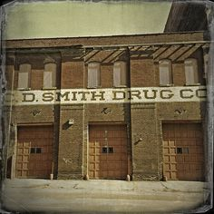 C D SMITH DRUGS ~ St. Joseph, MO ©2013 Bob Travaglione - www.flickr.com/photos/fotoedge/ ~ Or Zenfolio ~ www.FoToEdge.com