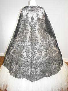 Vintage 1800s Civil War Era Black Chantilly by RedLabelVintage, $695.00-Leena.Torres