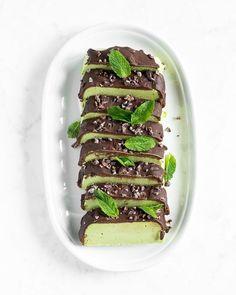 Vegan Peppermint Patty Slice — Oh She Glows Vegan Sweets, Vegan Desserts, Dessert Recipes, Healthier Desserts, Vegan Vegetarian, Vegetarian Recipes, Healthy Recipes, Vegan Food, Healthy Baking