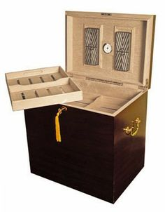 Take a look at our Humidor The Medici - 500 Cigars Count as well as other accessories from Quality Importers here at Cuenca Cigars Online your ultimate online store for Cigar Humidors. Best Cigar Humidor, Cigar Bar, Buy Cigars, Cigar Shops, Great Coffee, Foot Locker, Walnut Finish, Other Accessories