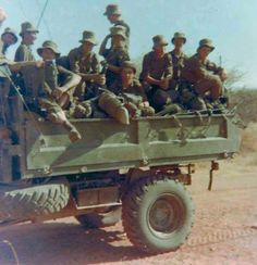 Unimog Rundu 1976 Army Day, Brothers In Arms, Defence Force, Armies, Military Life, Photo Essay, Armed Forces, Bats, Troops