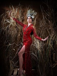 an experiential beauty, lifestyle and travel site based in the Philippines. Paolo Ballesteros, Spanish Dress, Filipiniana, Gala Dresses, Vic Australia, Experiential, Pinoy, Nice Body, Filipino