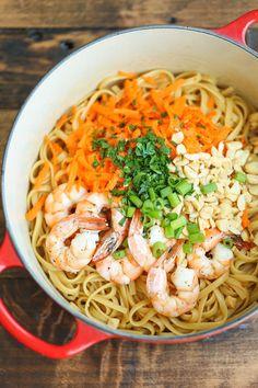 Linguine aux crevettes à la Thaïe - Recettes - Recettes simples et géniales! - Ma Fourchette - Délicieuses recettes de cuisine, astuces culinaires et plus encore!