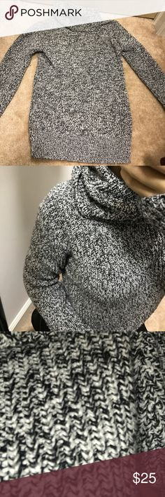 Thick knit A&F turtleneck sweater black white greyish thick knitted turtle neck sweater still in perfect condition worn about three times Abercrombie & Fitch Sweaters Cowl & Turtlenecks