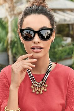Be bold with BOLD accessories! Stella & Dot had amazing unique BOLD pieces that are easy to pair with your look. Shop BOLD pieces now.