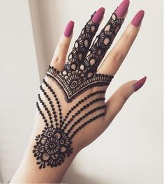 Mehndi is something that every girl want. Arabic mehndi design is another beautiful mehndi design. We will show Arabic Mehndi Designs. Henna Hand Designs, Mehndi Designs Finger, Latest Arabic Mehndi Designs, Mehndi Designs 2018, Mehndi Designs For Beginners, Mehndi Designs For Girls, Mehndi Design Photos, Unique Mehndi Designs, Wedding Mehndi Designs