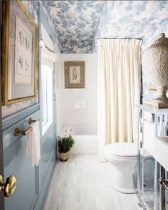 Bathroom by Betsey Nixon Hazard at the Southern Style Now Showhouse in New Orleans 2016