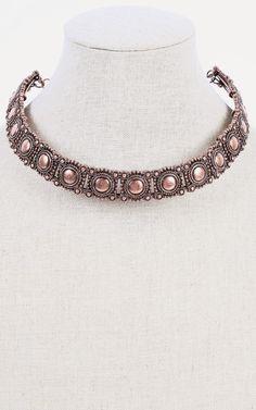 Vintage collar necklace, beautiful. | MakeMeChic.com